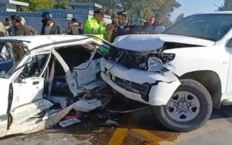 American embassy vehicle collides with car causing 1 death, 5 injured