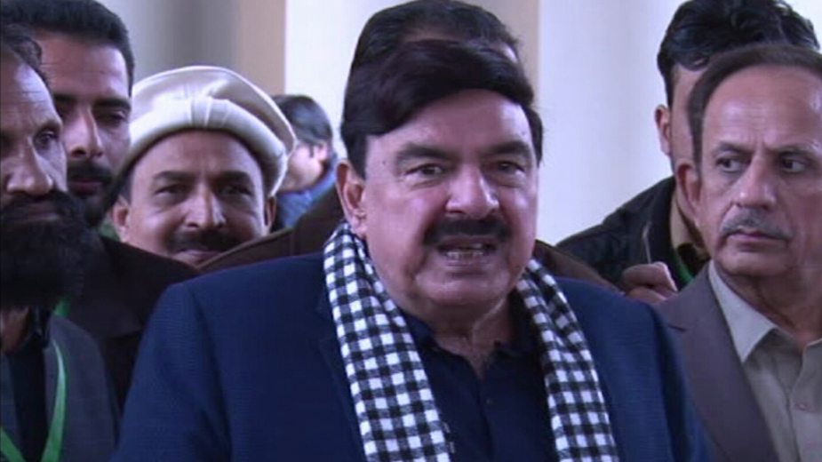 CJP proposes Sheikh Rashid to resign after train tragedy