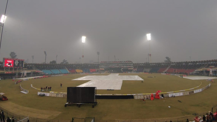 Pakistan retain top T20 spot as final match against Bangladesh called off due to rain