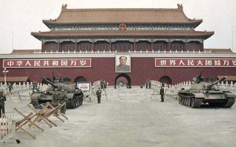 women spark outrage by driving in beijings forbidden city