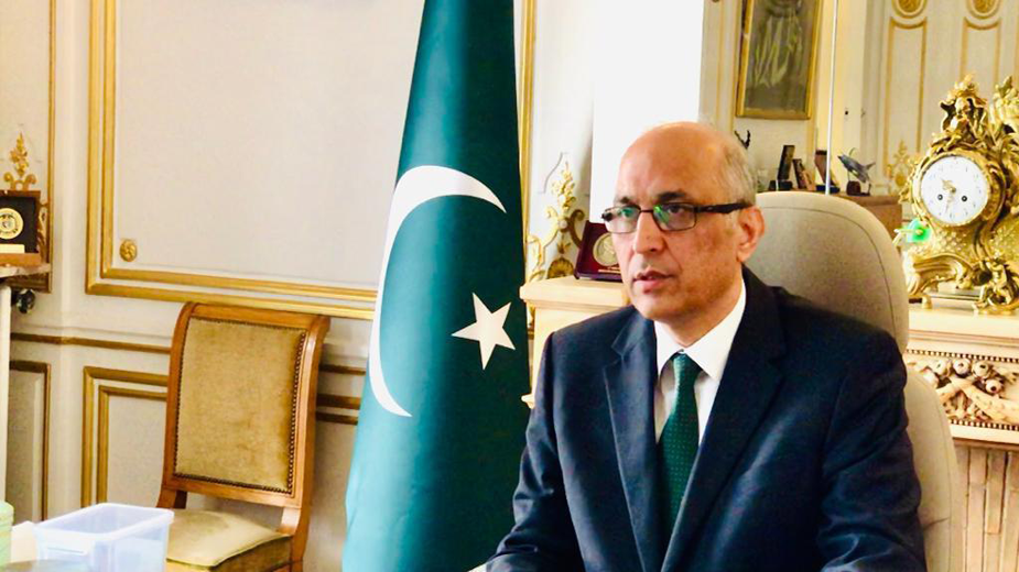 Embassy will not leave Pakistani expats alone during these trying times; Envoy Moin ul Haque assures