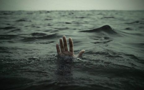 Selfie craze drowned 2 sisters into Chenab River