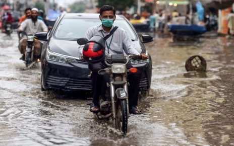 1 dead, another injured as latest spell of rain lashes parts of Karachi