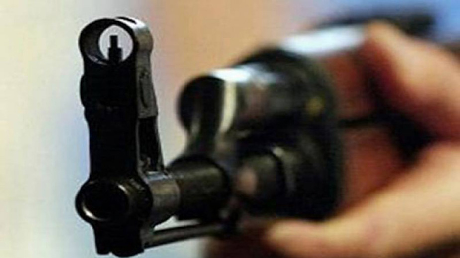Police kills citizen, injures another assuming as robbers