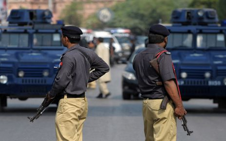 Police encounters 5 suspected robbers in Karachi DHA